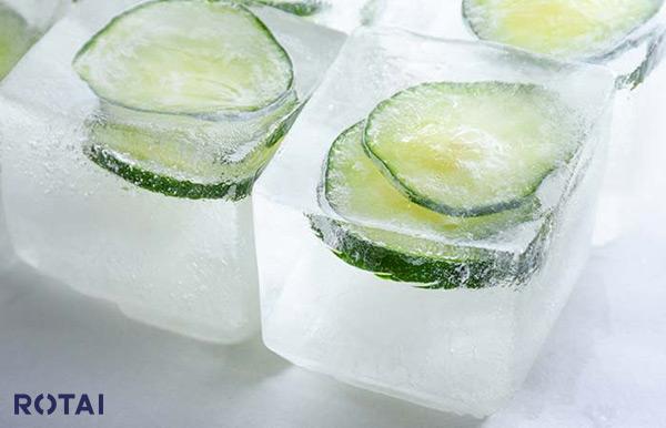 فواید یخ بر صورت