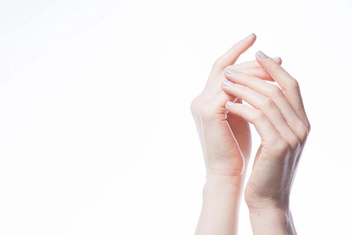 ماساژ انگشت های دست